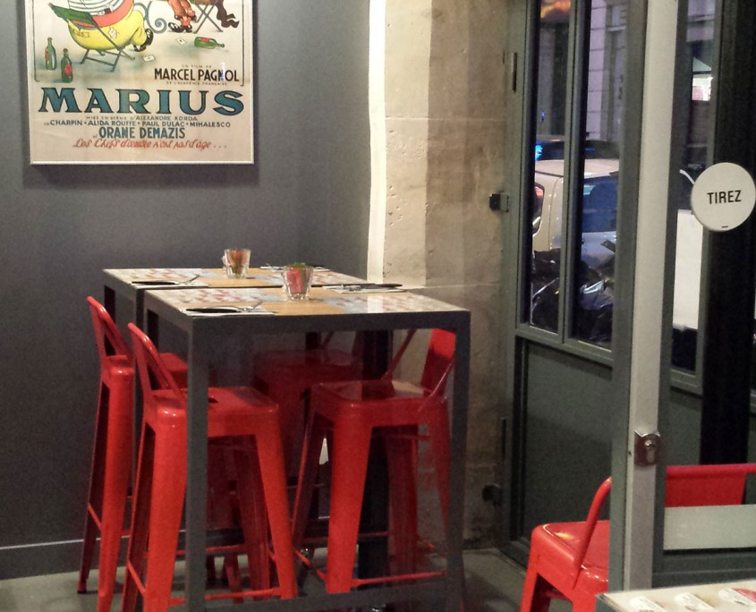 Pizzeria sol béton ciré autolissant - enduits déco Paris