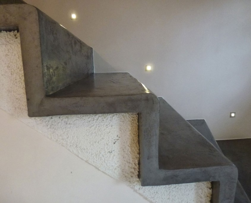 escalier-détail-béton-ciré-spatulé-goussainville95