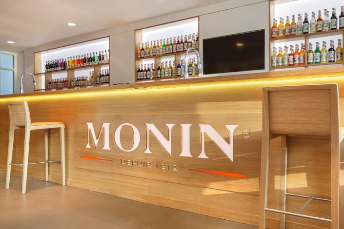 Monin-087